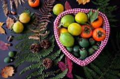 Fruits dans le panier Image stock