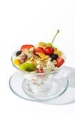 Fruits dans le plat en verre Photos libres de droits