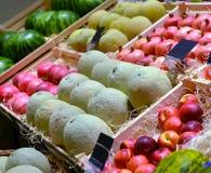 Fruits dans un supermarché Image libre de droits