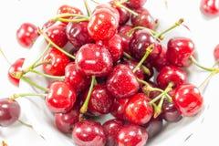 Fruits de cerise avec des lames Images stock