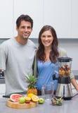 Fruits de coupe de couples Photographie stock