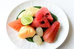 Fruits de la plaque blanche Photographie stock