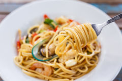 Fruits de mer épicés de spaghetti Image stock