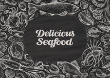 Fruits de mer délicieux nourriture tirée par la main sur le tableau restaurant de menu de conception de calibre, café illustration libre de droits