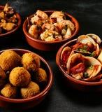 Fruits de mer et tapas frits par Espagnol traditionnel Images libres de droits