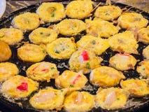 Fruits de mer gastronomes thaïlandais de Serabi dans un four chaud photos libres de droits
