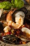 Fruits de mer italiens faits maison Cioppino photo stock