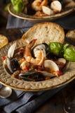 Fruits de mer italiens faits maison Cioppino Images libres de droits