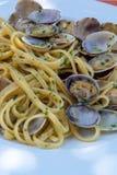 Fruits de mer italiens traditionnels, vongole de spaghetti fait avec le seashel images libres de droits