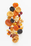 Fruits et écrous secs mélangés Photo stock