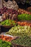 Fruits et légumes au marché images libres de droits