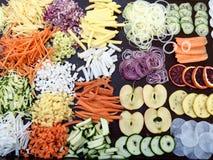 Fruits et légumes coupés en tranches mélangés Photographie stock