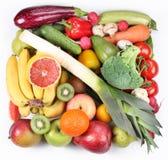 Fruits et légumes dans un grand dos Images stock