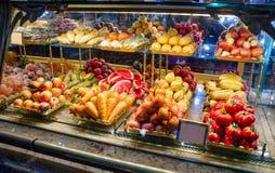 Fruits et légumes faits à partir du massepain Photographie stock libre de droits