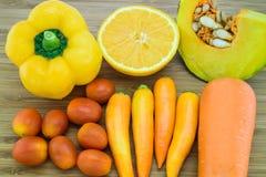 Fruits et légumes oranges de couleur Photos libres de droits