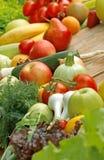 Fruits et légumes organiques frais Photo stock