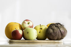 Fruits et légumes organiques pour le jus sain Images libres de droits