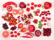 Fruits et légumes rouges Photos stock