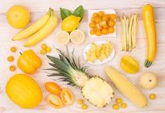 Fruits et légumes jaunes Images stock