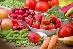 Fruits et légumes organiques Photo stock