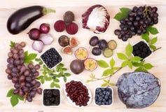 Fruits et légumes pourpres Image stock
