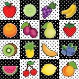 Fruits, fond noir et blanc de tuile Images libres de droits
