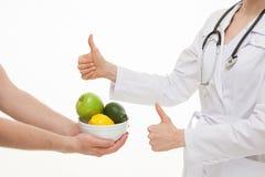 Fruits frais avec approbation de Dietarian image stock