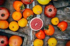 Fruits frais Fond mélangé de fruits Consommation saine, suivant un régime Photo libre de droits