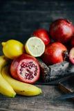Fruits frais Fond mélangé de fruits Consommation saine, suivant un régime Image libre de droits