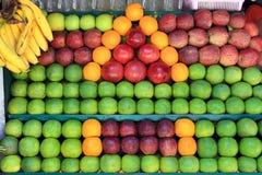 Fruits frais sur le marché Photographie stock