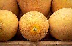 Fruits sains d'ananas dans une pile images stock