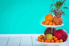 Fruits sur la table Photos stock