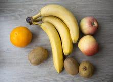 Fruits sur la table Photo stock