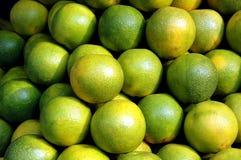 Fruits sur le marché. Image libre de droits
