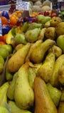 Fruits sur le marché d'agriculteurs Photographie stock libre de droits