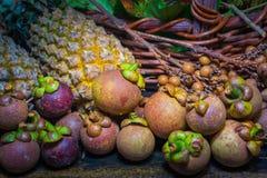Fruits thaïlandais dans le jardin pour amener des touristes manger Photos stock