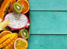 Fruits tropicaux frais image stock