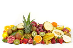 Fruits tropicaux frais sur le fond blanc photos stock