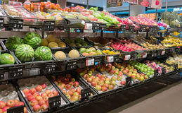 Fruits and vegetables in a Grocery store Royalty Free Stock Photography