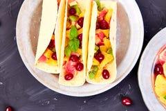 Fruittaco's De zomersnacks Royalty-vrije Stock Fotografie