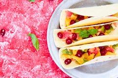 Fruittaco's De zomersnacks Stock Foto