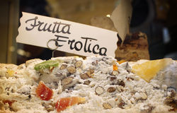 Fruity επίδειξη παραθύρων γλυκών Στοκ Εικόνες