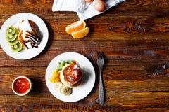 Fruity τηγανίτες τυριών Στοκ φωτογραφία με δικαίωμα ελεύθερης χρήσης