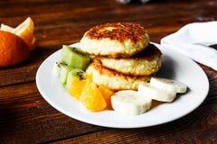 Fruity τηγανίτες τυριών Στοκ Εικόνες