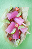 Fruity pink popsicles Royalty Free Stock Photography