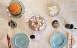 Frukost för lördag morgon arkivfoto