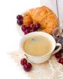 Frukost med nya kaffe och giffel arkivfoton