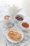 Frukost med smörgåsen för jordnötsmör Fotografering för Bildbyråer