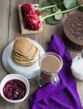 frukostera pannkakor Royaltyfri Bild