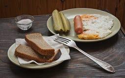 frukostera tabellen Fotografering för Bildbyråer